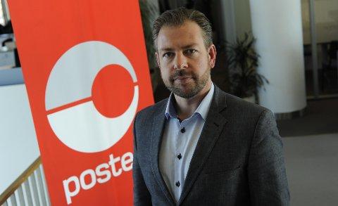 GARANTERER: Sender du julegavene før 16. desember garanterer Posten at de kommer fram til jul, sier pressesjef John Eckhoff i Posten Norge.