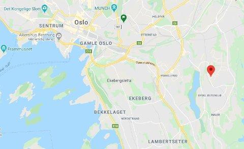 Bilbrannen var på Oppsal til høyre i kartet.