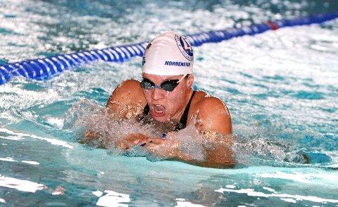 Sara Nordenstam vant både 100 meter og 200 meter bryst i NM i Nadderudhallen.