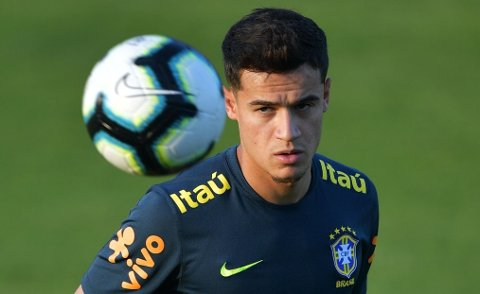 TIL SALGS? Philippe Coutinho står ifølge ryktene på blokka til flere engelske storklubber som trenger forsterkninger. Her er Barcelona-profilen fotografert på landslagstrening med Brasil denne uka.