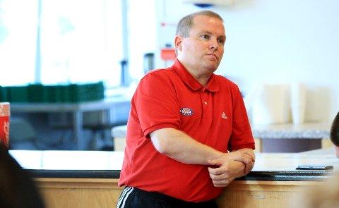 Daglig leder Stig-Ove Sandnes i Vålerenga Fotball kan snart få litt enklere arbeidsforhold økonomisk. Ny generalsponsor skal være på vei inn.