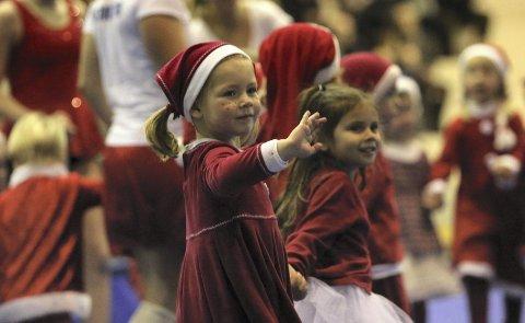 GOD JUL: 500 barn i alle aldre viste hva de hadde lært i den store juleoppvisningen i Ekeberghallen søndag formiddag.Alle foto: Andreas Lindbæk