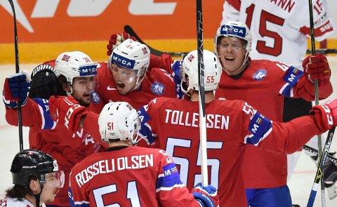 REVANSJ: Anført av Mats Zuccarello (til venstre) og Olimb-brødrene viste Norge helt andre takter foran mål i den andre VM-kampen.