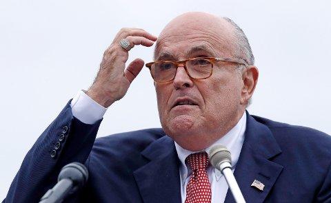 Rudy Giuliani, som er president Donald Trumps personlige advokat, er stevnet av tre komiteer i Kongressen. Foto: Charles Krupa / AP / NTB scanpix