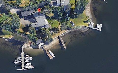 BORTE FRA MARKEDET: Strandeiendomen på Snarøya til 85 millioner er ikke lenger til salgs. Google Maps
