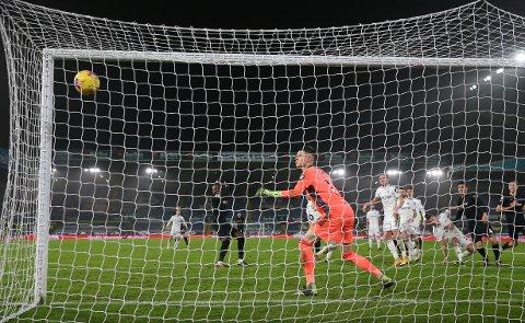 MATCHVINNER: Her sikrer Angelo Ogbonna seier for West Ham.