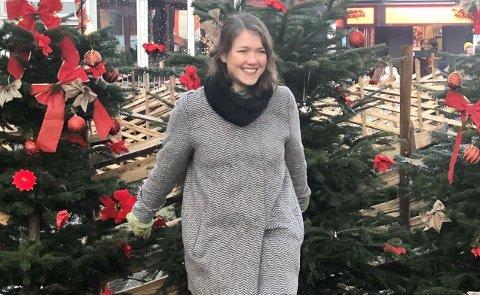 JUL I MALVIK: MDG-leder og stortingsrepresentant Une Bastholm gleder seg til julaften på småbruket til søsteren i Malvik. Foto: Privat