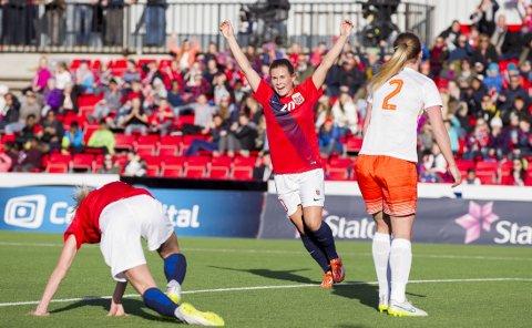 SCORET: Emilie Haavi vartet opp med en perle mot Nederland.