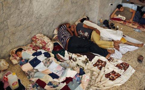 ÅPNE DØRER: St Porphyrius-kirken på Gazastripen har åpnet dørene, i likhet med moskeen i nabolaget, og tilbyr sivilbefolkningen mat, drikke og ly uansett hvilken religion de tilhører.