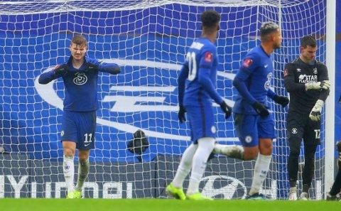 TUNGT: Timo Werner skaffet straffespark mot Luton, men maktet ikke å sette inn ballen fra krittet. Chelsea er uansett klar for FA-cupens femte runde.