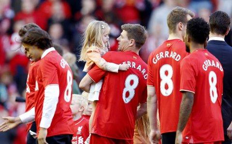 TAKKET FOR SEG: Steven Gerrard spilte sin siste kamp på Anfield.