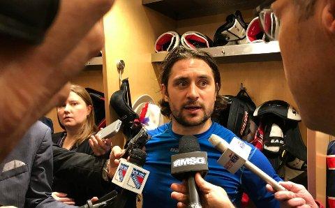 AMERIKANSK PRESSE kastet seg over Mats Zuccarello etter at han scoret vinnermålet mot Detroit Red Wings.