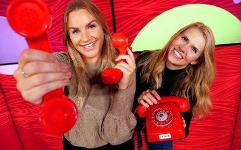 TELEFONEN FRA HAMAR: Trekningsredaktørene Pie-Christine Skagsoset Norseng (t.v.) og Pernille Storholm Skaret har mange vinnersamtaler bak seg.