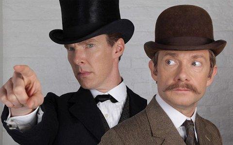 TRAVLE KARER: Benedict Cumberbatch og Martin Freeman har lovet at de vil fortsette med «Sherlock» så lenge alle gidder være med.
