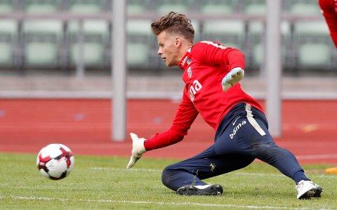 TRENGER FØRSTELAGSFOTBALL: Ørjan Nyland er lei av benketilværelsen i Ingolstadt, og bekrefter at han har følere ute for andre klubber. Her fra treningen med landslaget denne uken.