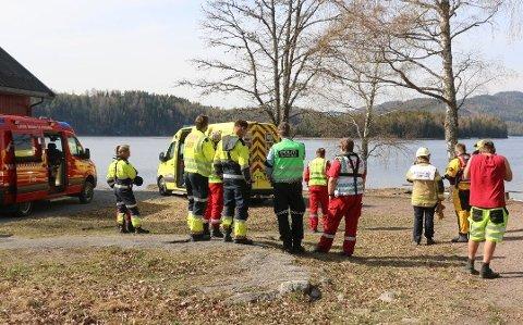TOM KANO: Politiet avsluttet søket etter å funnet en tom kano på innsjøen Gorniningen.