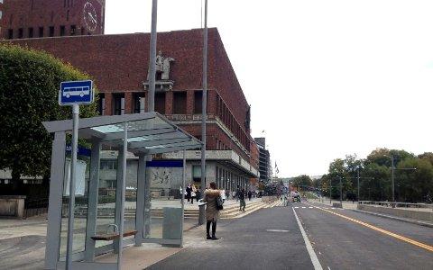 Dette blir en viktig bussholdeplass i Oslo sentrum fra og med søndag.