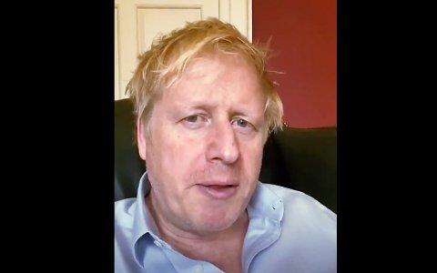 Boris Johnson ble mandag lagt inn på intensivavdelingen på sykehuset i London. Samme dag hadde han gitt en oppdatering på tilstanden sin, og sa han hadde det bra. Bildet er tatt fredag 3. april.