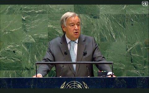FNs generalsekretær António Guterres talte fra talerstolen i FNs hovedkvarter i New York, mens de fleste av tilhørerne deltok via video under generalforsamlingen natt til torsdag 30.09.20.