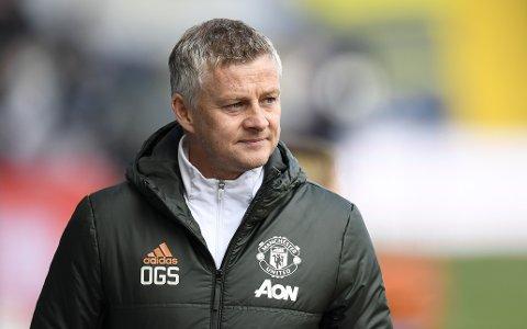 SPARER IKKE PÅ KRUTTET: Ole Gunnar Solskjær og Manchester United stiller sterkt i bortekampen på Villa Park.
