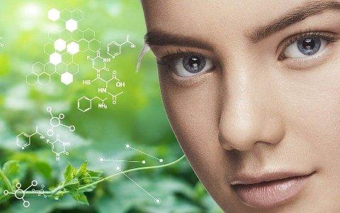 TROR PÅ VEKST: Aqua Bio Technology utvikler naturlige og bærekraftige ingredienser til kosmetikkindustrien, hudpleieprodukter og forbrukere. Foto: Aqua Bio Technology (Bildemontasje)