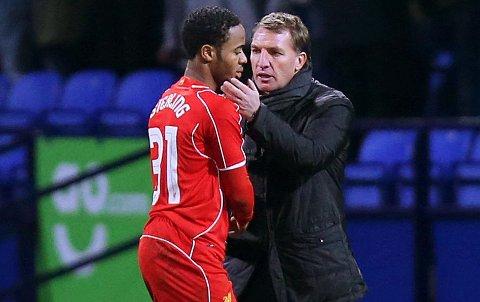 BRA FORHOLD: Brendan Rodgers mener han og Raheem Sterling fortsatt er gode kollegaer.
