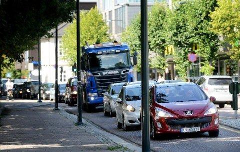 KØ, KØ OG ATTER KØ: Statens veivesen advarer om at det kan bli mye trafikk i Tønsberg sentrum i sommer.