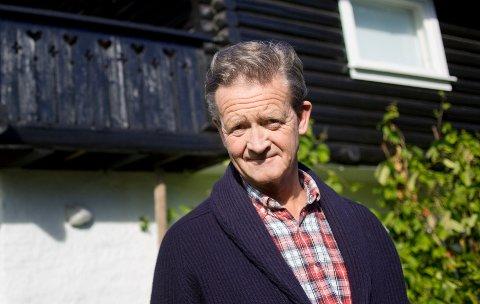 REAGERER: – Politikere må ikke la seg misbruke som kakepynt, sier Hans Geelmuyden til NRK.