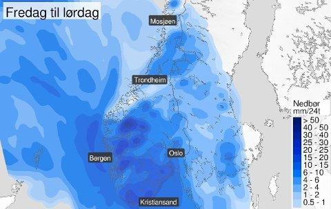 NEDBØR: Regnet vil bre seg utover hele Sør-Norge i løpet av det neste døgnet. Over cirka 1500 meter kommer det nysnø, ifølge meteorologen.