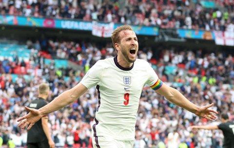 SCORET ENDELIG: Harry Kane satte inn Englands andre mål mot Tyskland.