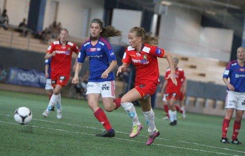 BYTTER KLUBB: Lene Mykjåland (høyre) vil fortsette karrieren på Lillestrøm neste sesong.