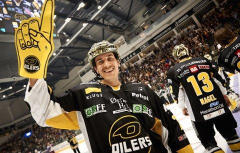 SCORET TO: Christian Dahl-Andersen og Stavanger Oilers storspilte mot Vålerenga. Her er Dahl-Andersen fra 2013.