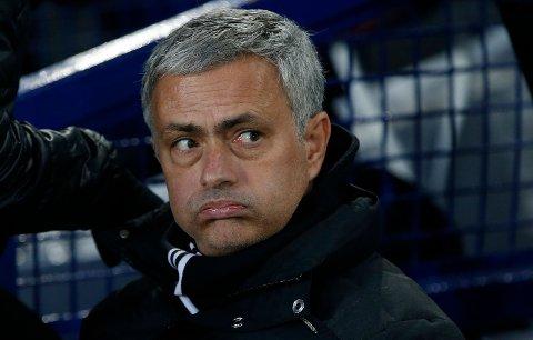 BEKYMRINGSVERDIG? Manchester United og manager José Mourinho skal forsvare vårens triumf i FA-cupen. I neste kamp i turneringen venter en potensiell mine mot en manager som kjenner klubben svært godt.