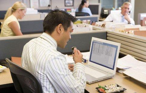 AFP: Avtalefestet pensjon (AFP) i privat sektor holder folk i jobb lenger, konkludererer LO og NHO i sin evalueringsrapport.