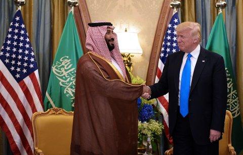 President Donald Trump og kronprins Mohammad bin Salman al-Saud møttes for første gang på et hotell i mai 2017.