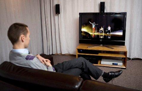 SOLID NEDGANG: Stadig færre menn og unge seer på tradisjonell TV.