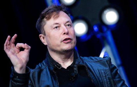VELGER NORGE: Norge og Canada blir de første landene etter USA som får teste helt selvkjørende biler, sier Tesla-sjef Elon Musk.