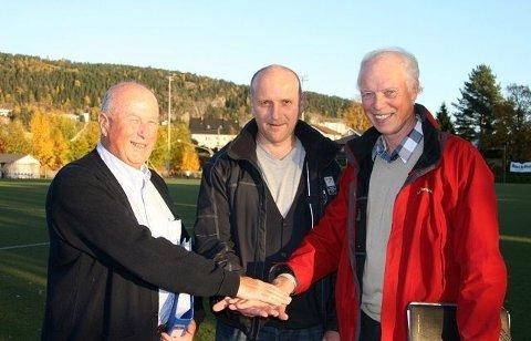 Kjelsås vel, ved John J. Andresen, Kjelsås IL, ved Tor V. Fosse og Øvre Grefsen vel, ved Torbjørn Togstad, har store planer for Myrerjordet, og lokalpolitikerne lar seg begeistre.