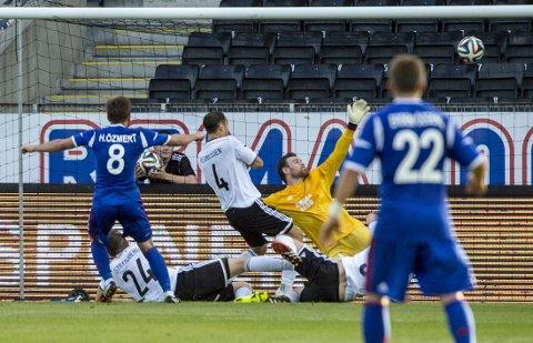UT AV EUROPA: Dette målet sørget for Europa League-exit for Rosenborg.
