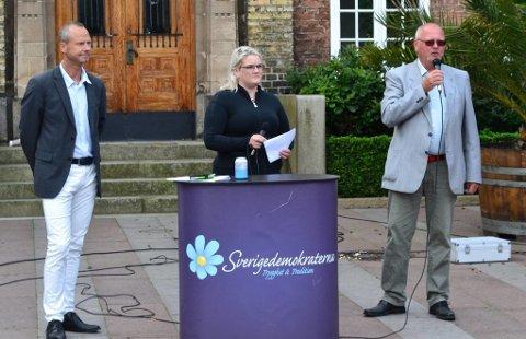 Sverigedemokraterna i Trelleborg har fått gjennomslag hos Moderaterna om at enslige asylsøkere som lyver om alderen sin, vil bli anmeldt.