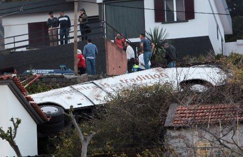 DØSULYKKE: Minst 28 er døde etteer at en buss kjørte av veien på Madeira onsdag.