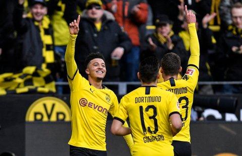Jadon Sancho (t.v.) kan være tilbake i startelleveren hos Dortmund mot Bayern Munchen tirsdag kveld. (AP Photo/Martin Meissner)
