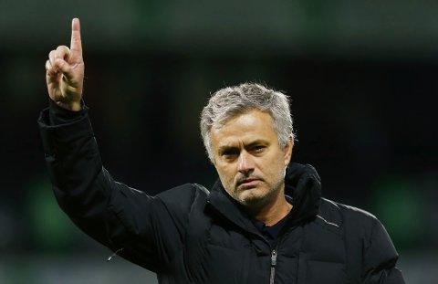 NUMMER ÉN: José Mourinho signaliserte at laget hans var mestere etter mandagens kamp mot West Bromwich.