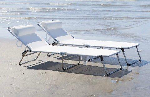 En stilig og veldig populær solseng med en høy komfort. Ta den med til stranden, hagen eller terrassen.