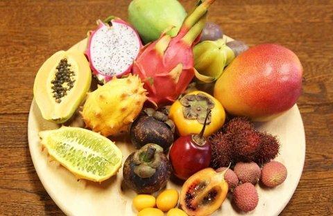 EKSOTISK FRUKT: - Gjør et prosjekt ut av det og smak på eksotisk frukt sammen med barna, foreslår ernæringsfysiolog i frukt.no Camilla Andersen.
