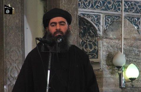 LEVER I SKJUL: IS-leder Abu Bakr al-Baghdadi i det eneste tilgjengelige opptaket som finnes av ham, fra en tale til sine tilhengere som ble postet på internett i juli 2014.