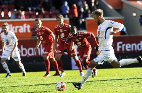 SCORET TRE: Christian Gytkjær med hat trick mot Brann.