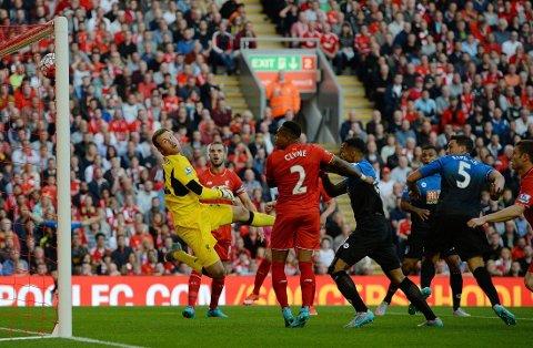 ANNULLERING: Bournemouth fikk et mål annullert mot Liverpool.