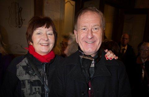 Skuespilleren Karl Sundby er død, 66 år gammel. Her er han fotografert sammen med sin samboer Linda Pedersen som døde i 2018. Foto: Håkon Mosvold Larsen / NTB scanpix