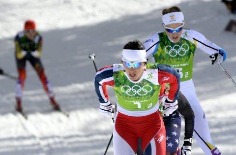 Marit Bjørgen hadde full kontroll på USA og Sverige, sammen med Ingvild Flugstad Østberg, i semifinaleheat to.